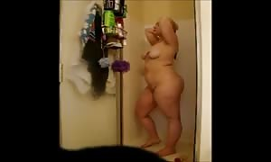 Cheating chubby Gina shoots a load in take a shower - negrofloripa