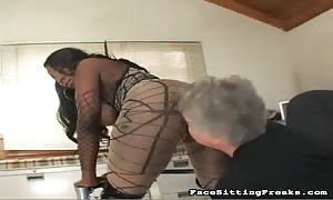 mature man eating ebony's g-spot and deep throat her giant booty